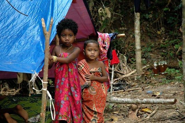 Batek Kinder im Frieden miteinander